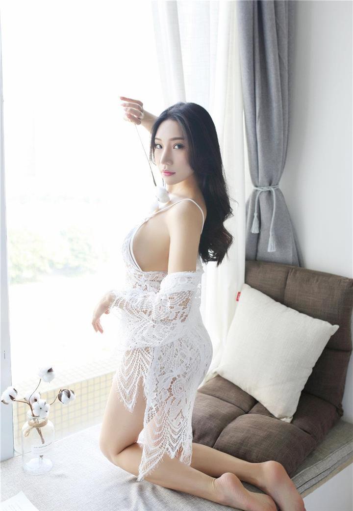 清纯美女小狐狸Sica室内巨乳性感诱惑唯美写真照片