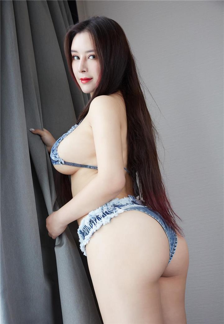 上身丰满巨乳美女雪千寻绝色肥臀性感私拍写真